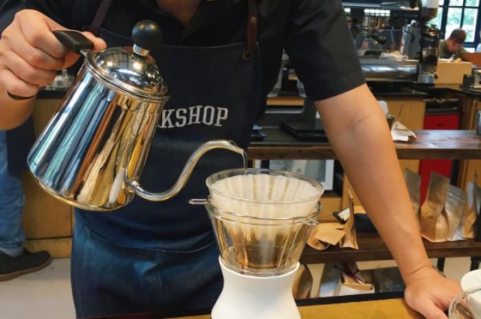 vietnam coffee shop