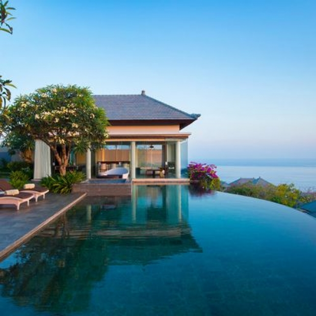 Stay 3 Nights and Pay for 2 at Banyan Tree with Standard Chartered Bank