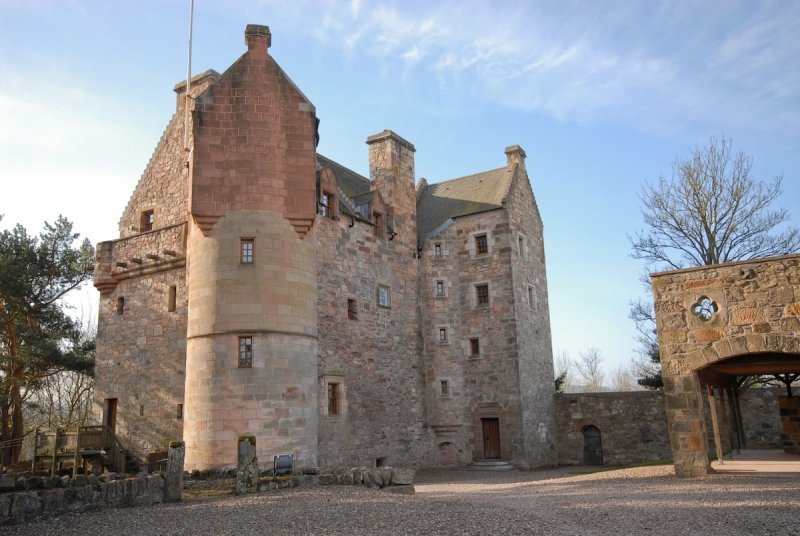 Airbnb Castle: Dairsie Castle in Scotland
