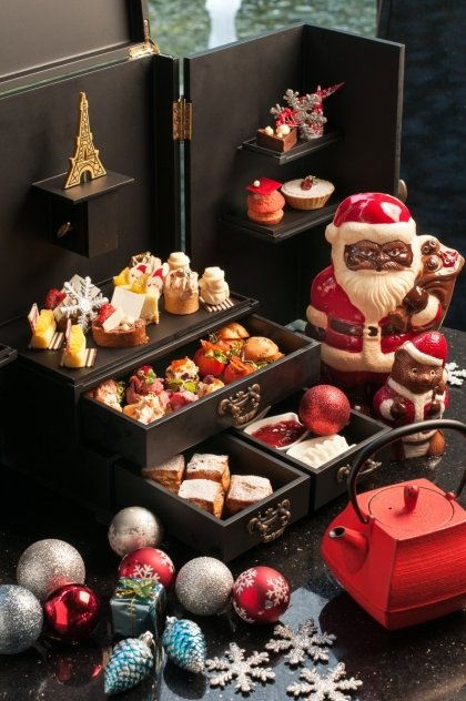Christmas Afternoon Tea Set by LeBar