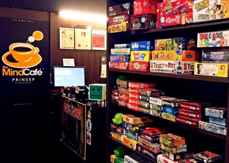 board games at The Mind Café