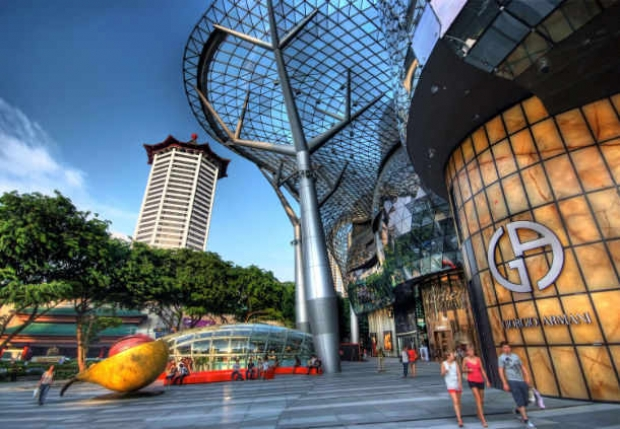 Stay in Singapore Marriott Tang Plaza Hotel and Explore Singapore with City Sight-seeing Bus Ride