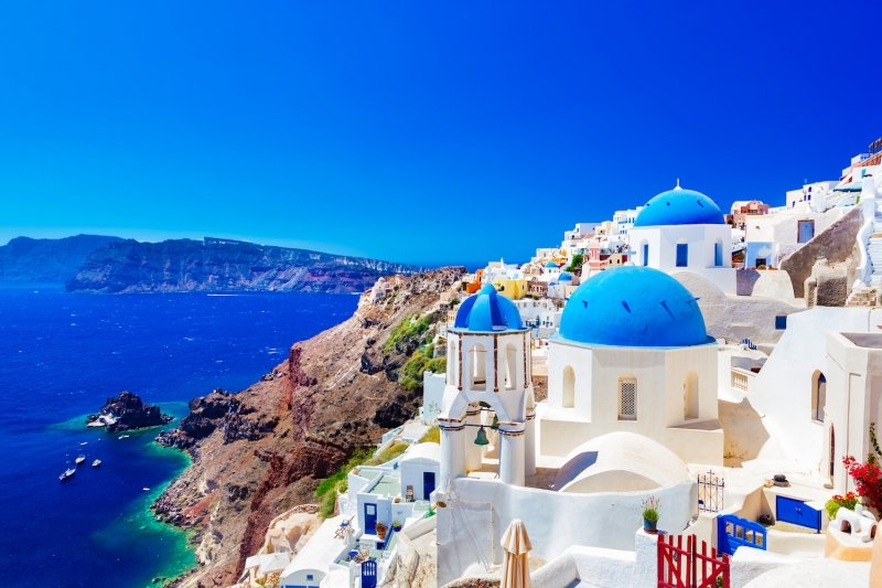 things to do in santorini: oia