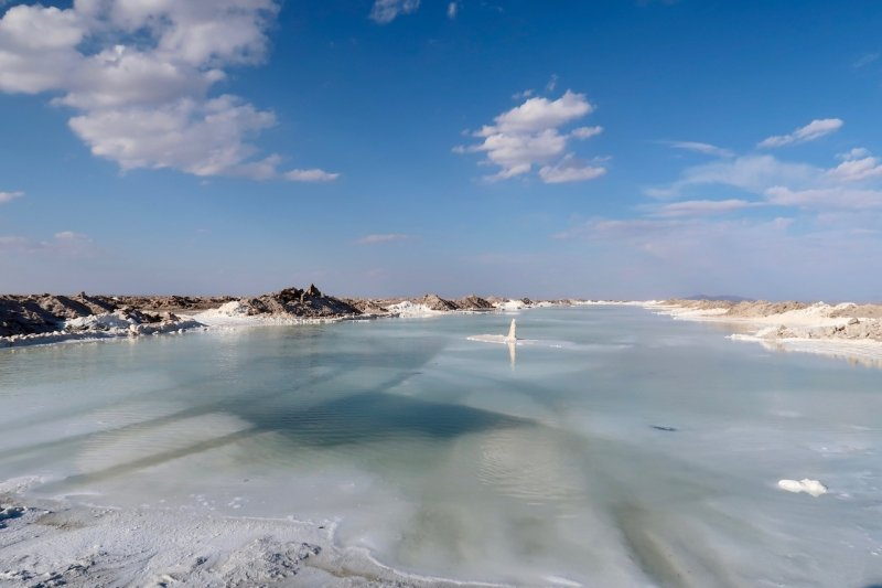 salt lake Varzaneh