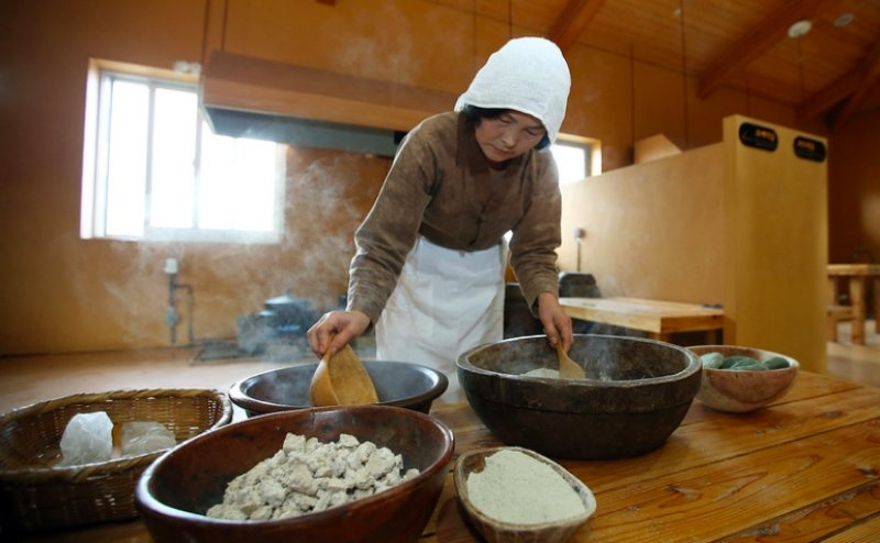 Experiencing Jeju Folk Village is one of the things to do in jeju
