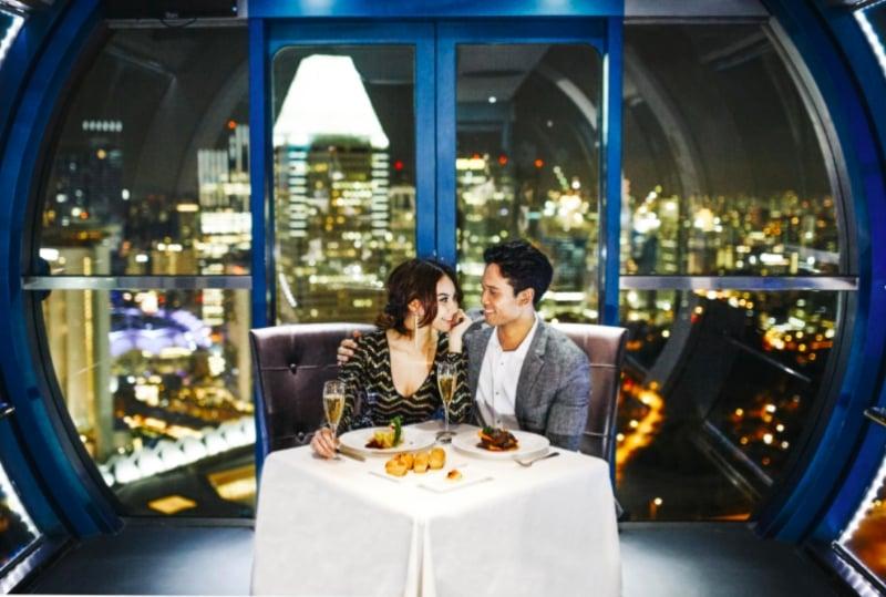 romantic dinner in the Singapore Flyer