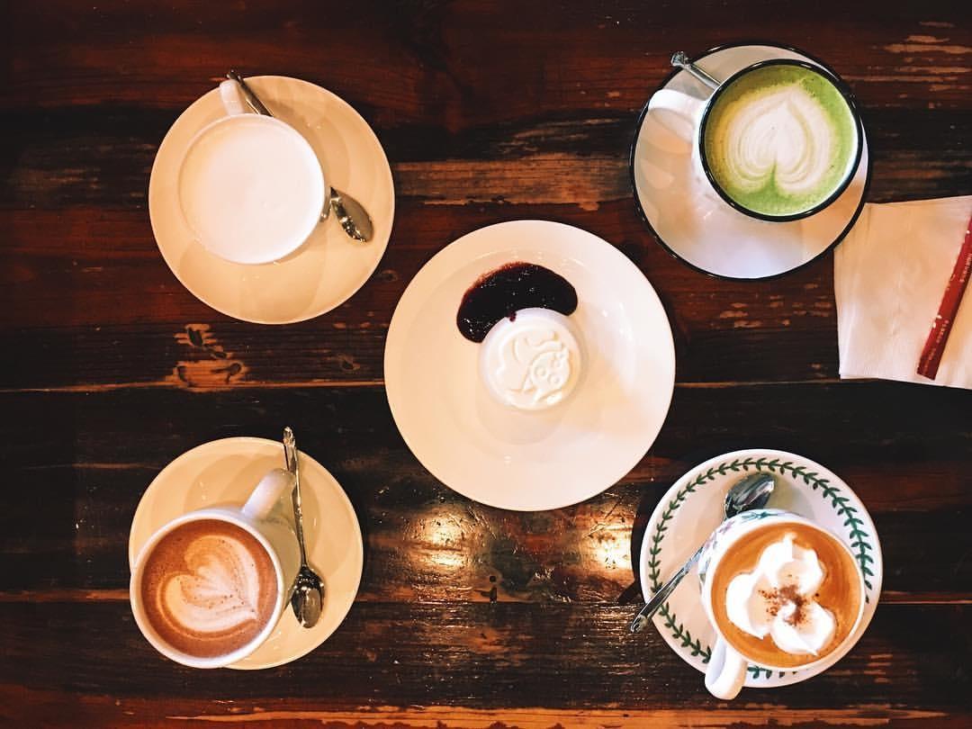 Hakrim Dabang coffee and pastries