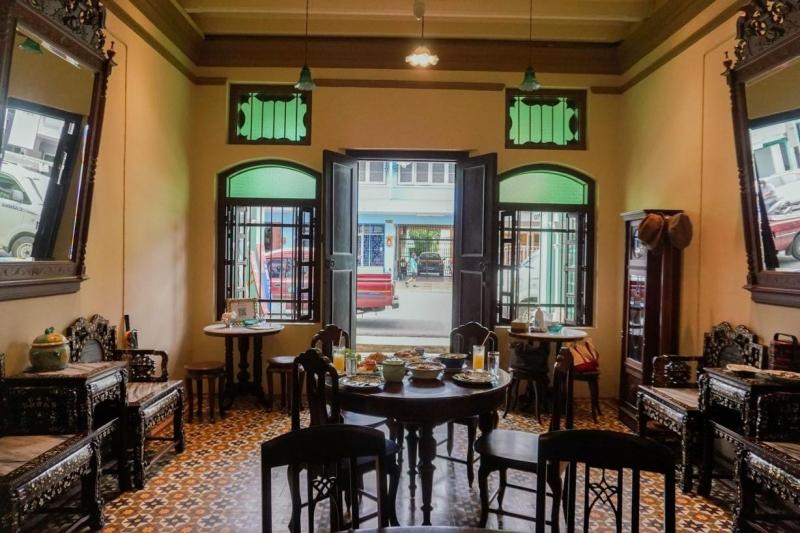 michelin restaurant phuket the charm