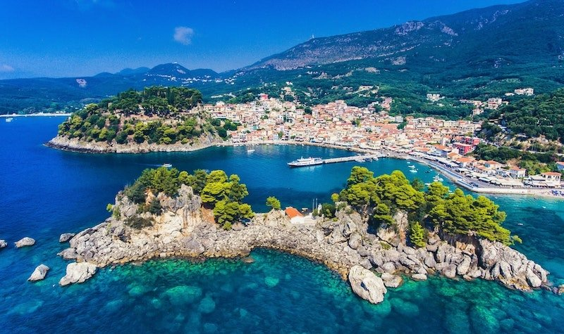 Travel to Greece: Travel Restrictions and Entry Requirements
