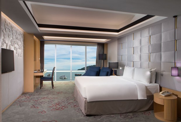 Book 21 Days in Advance & Get 30% OFF at Le Meridien Kota Kinabalu