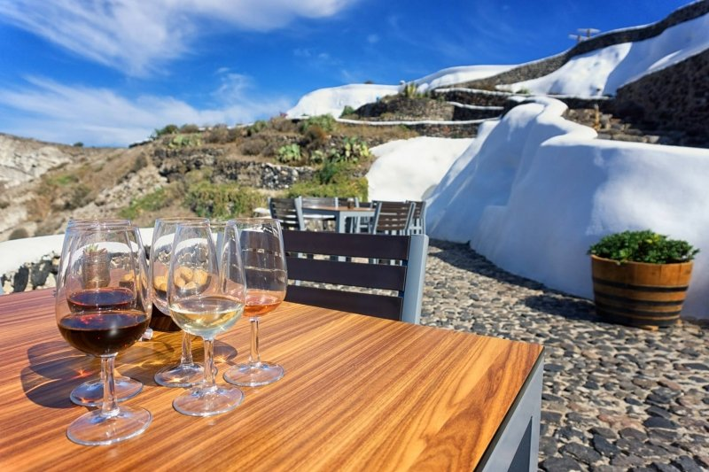 things to do in santorini: winery