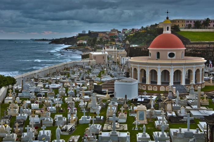 beautiful cemeteries worldwide