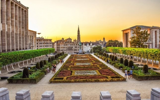 Fly non-stop to Brussels with Singapore Airlines
