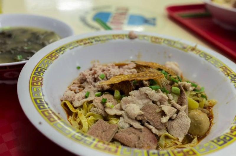 best singaporean food: bak chor mee