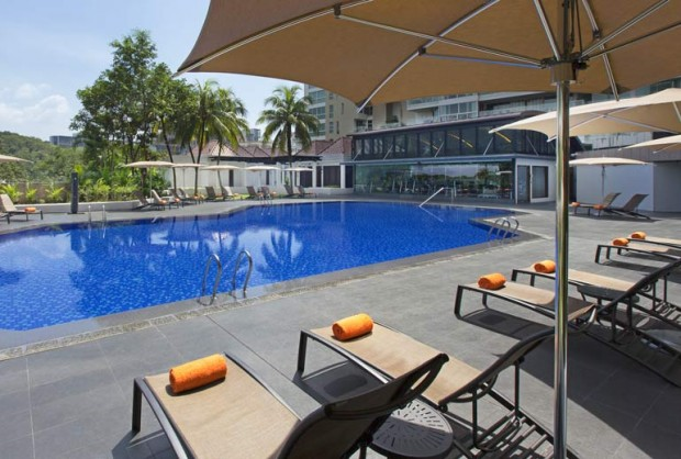 Save Up to 35% Off Room Rates at Sheraton Towers Singapore