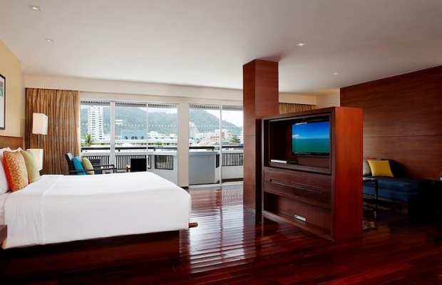 1-For-1 One Room Night at Swissotel Resort Phuket Patong Beach with HSBC Card