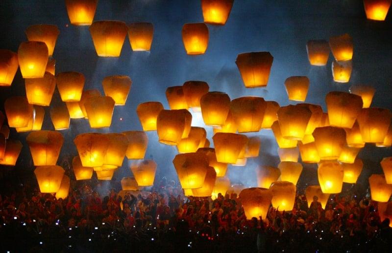 sky lantern festival shifen taiwan