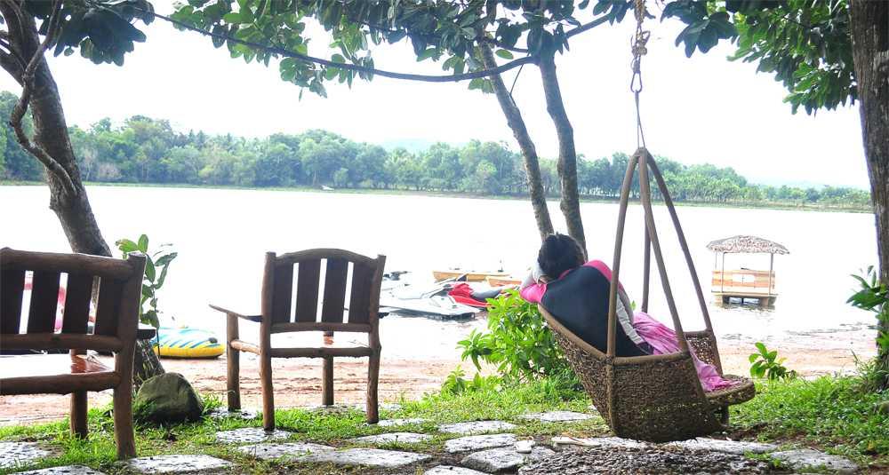Aquascape Lake Caliraya Floating Cottage: A Secret Retreat ...