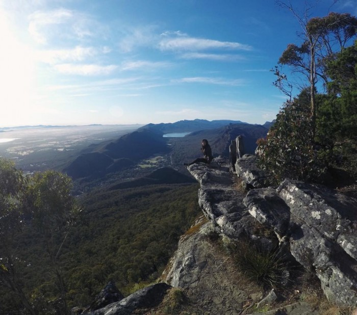 grampians cliffside