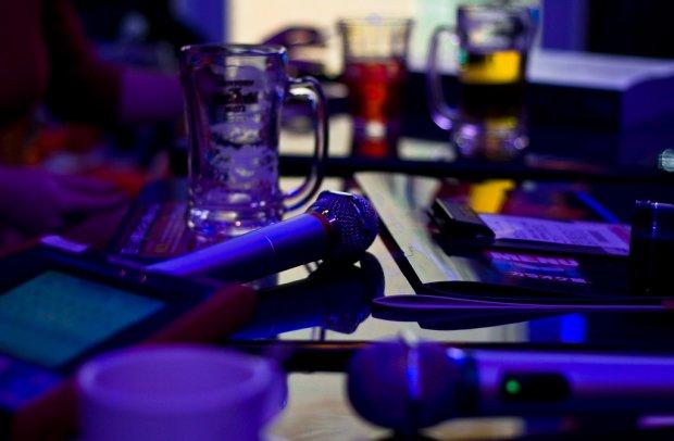 Du lịch Tokyo tiết kiệm: Phòng Karaoke