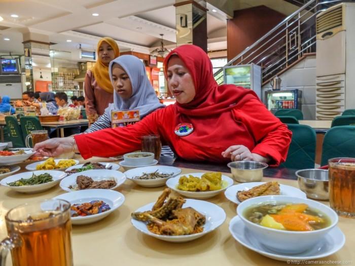 nhà hàng ăn ở Indonesia