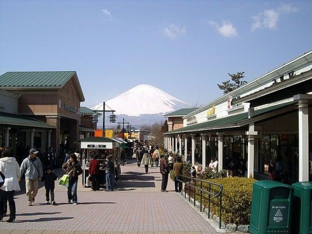 nearest coach outlet bcv0  Gotemba Premium Outlets, Japan