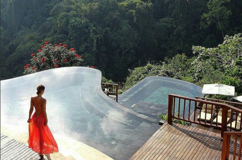 bali resorts infinity pools