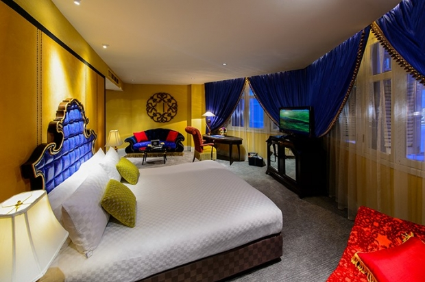 Experience the Lush Comforts of The Scarlet Singapore with MasterCard