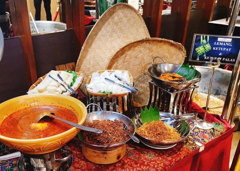 Holiday Villa Johor Bahru City Centre Fern Pine Cafe Sajian Tradisi