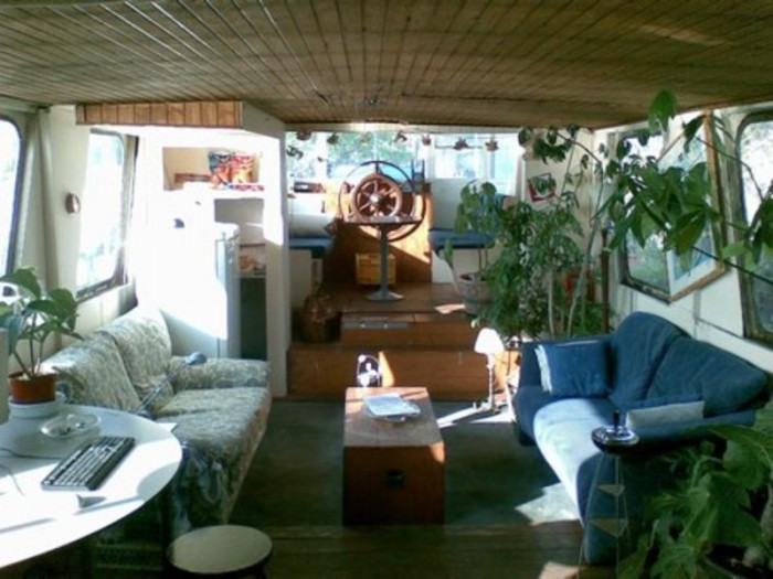 beagle houseboat interior