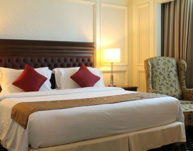 Valentine's Room and Dinner package at The Royale Chulan The Curve