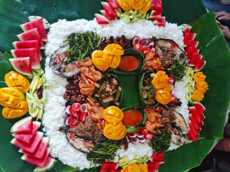 one of the must-do things when in manila: have a boodle fight