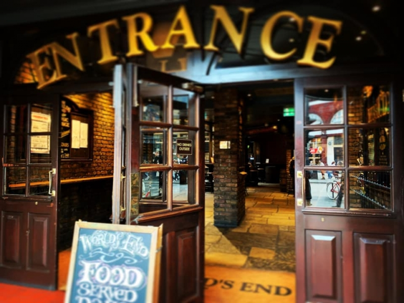 things to do in london: camden pub crawl