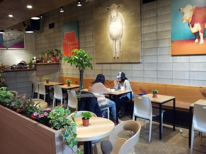 15 Themed Cafes in Seoul that Are Too Awesome to Resist