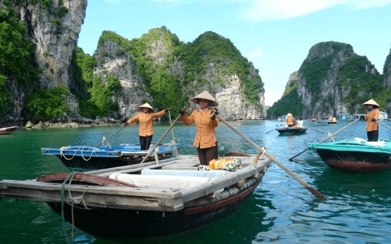 Halong Bay Boat Ride