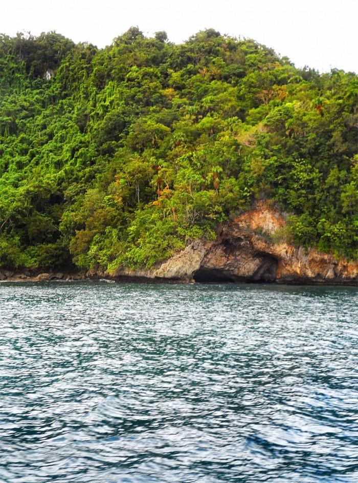 Calintaan Island Cave