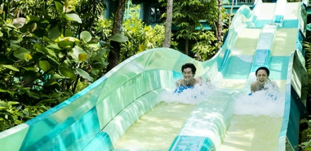 Mastercard® Exclusive: Adventure Cove Waterpark Adult Dated One-Day Ticket + Free SGD5 Meal Voucher & Turtle Plush Keychain at SGD34