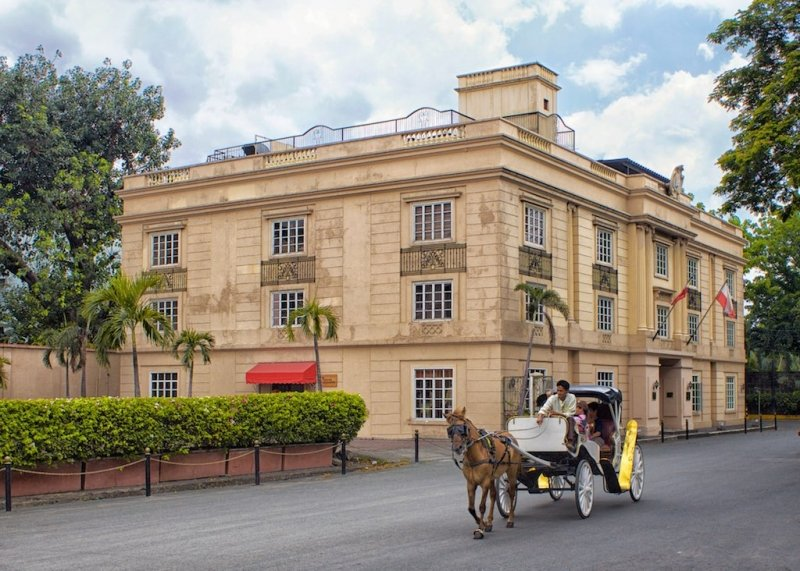 a calesa ride through intramuros is one of the top things to do in manila