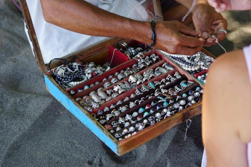 bali souvenirs: jewellery