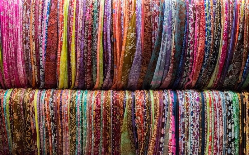 bali souvenirs: batik