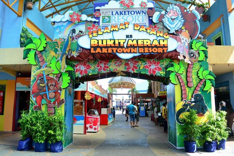 Bukit Merah Laketown Theme Park