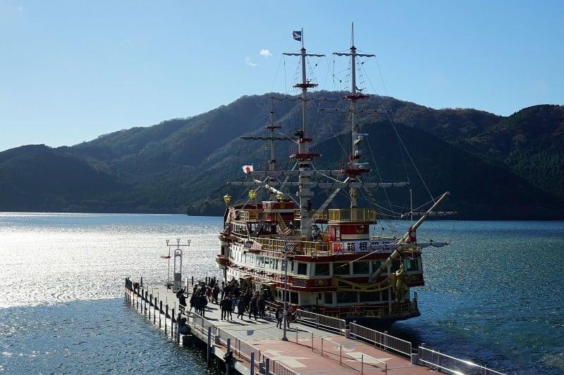 Lake Ashinoko pirate ship