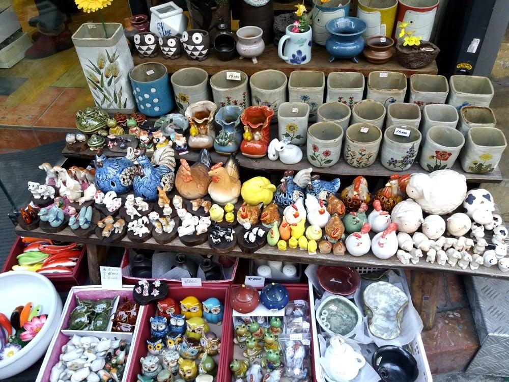 Korea figurines
