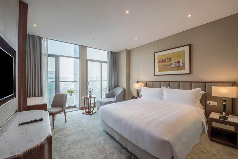 guest room in wyndham garden hanoi