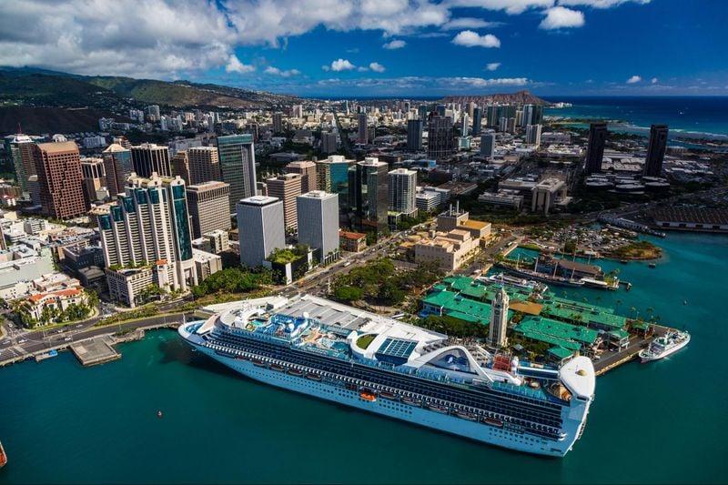 View spanning from downtown Honolulu to Waikiki Honolulu, Oahu